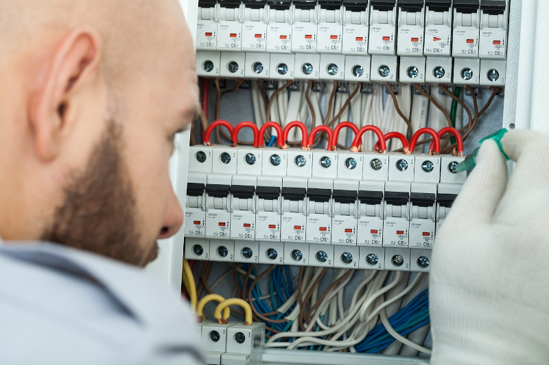10 most common house electrical issues that are ignored