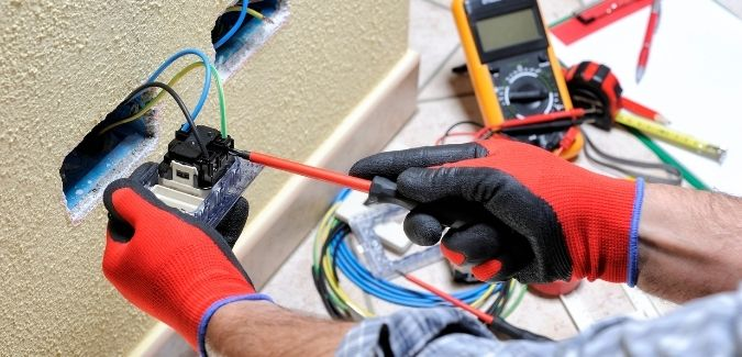 Mistakes to avoid while hiring an electrician