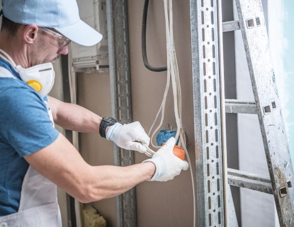 Commercial electrical services in Edmonton